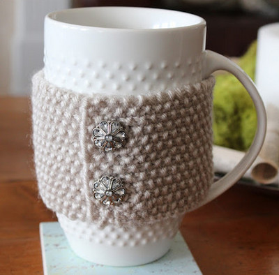 Vintage-Charm-Cup-Cozy-IR_Large400_ID-822915